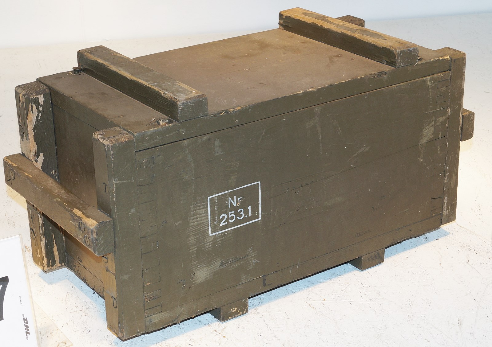 bw holzkiste 58x30x25cm transportkiste zink blumenkasten shabby chic hocker holzbox bundeswehr. Black Bedroom Furniture Sets. Home Design Ideas